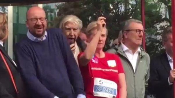 Megsüketítette a belga miniszterelnököt a király húga