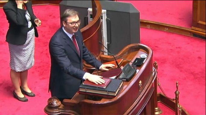 ALEKSANDAR VUCIC JURA EL CARGO DE PRESIDENTE DE SERBIA