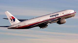 Un passeggero cerca di entrare nella cabina di pilotaggio, aereo della Malaysia Airlines diretto a Kuala Lumpur costretto a tornare indietro a Melbourne