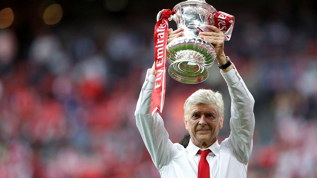Arsene Wenger marad az Arsenal menedzsere