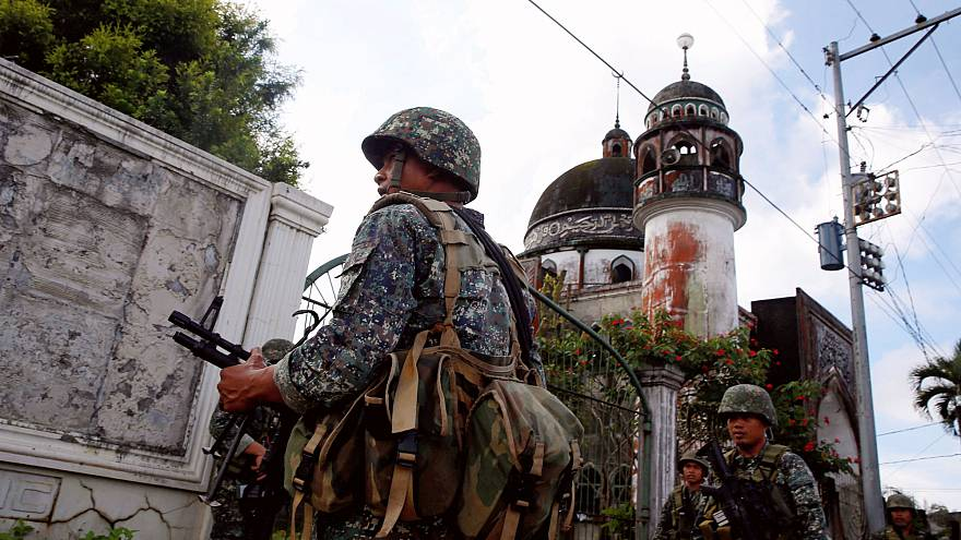 Philippine army sends more troops to defeat Islamist rebels in Marawi