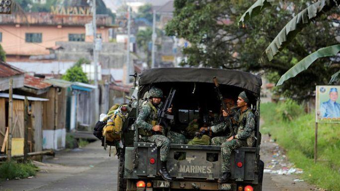 مقتل عشرة جنود فيليبينيين بنيران صديقة