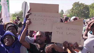 En Afrique du Sud : manifestations quotidiennes des ''exclus'' d'Ennerdale