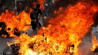 Venezuela: Göstericiler dışişleri bakanlığına yürüdü