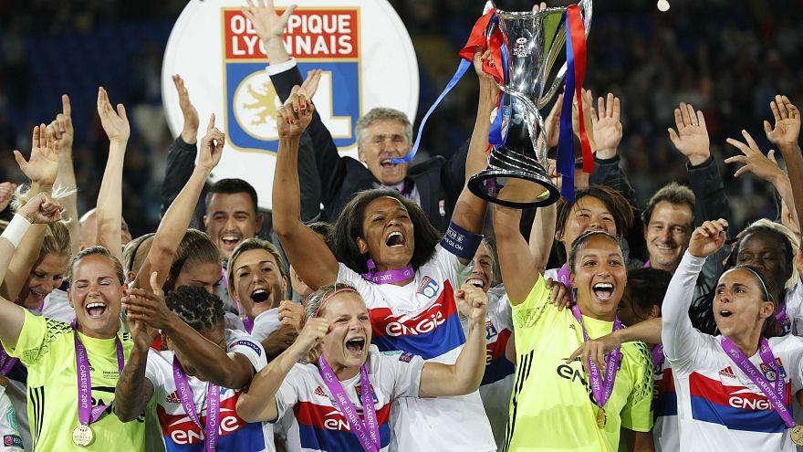 L'équipe de l'OL remporte la Ligue des champions!