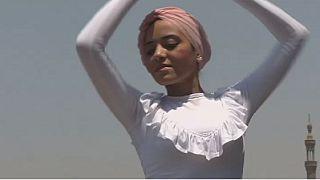 """Égypte : une amoureuse du ballet au """"hijab"""""""