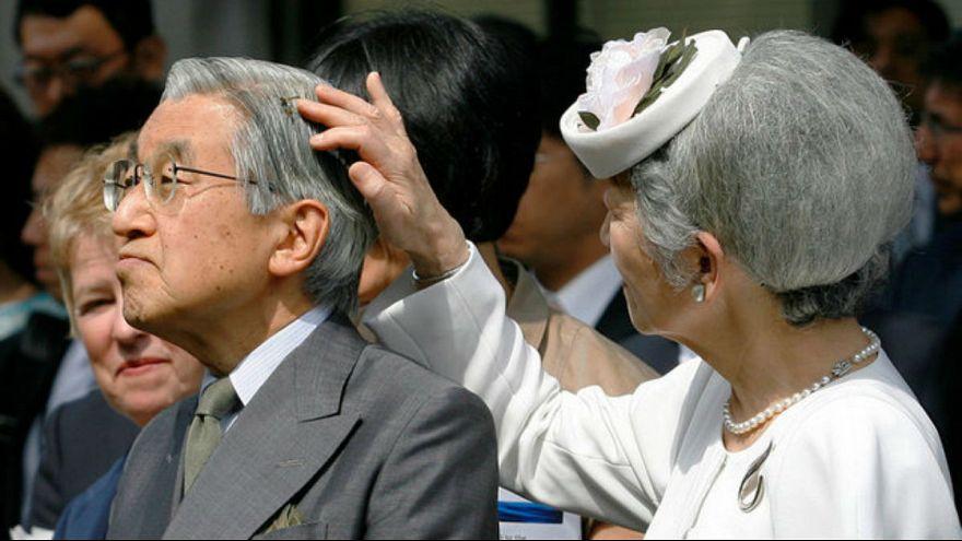 البرلمان يوافق على امكانية تنازل الامبراطور عن العرش