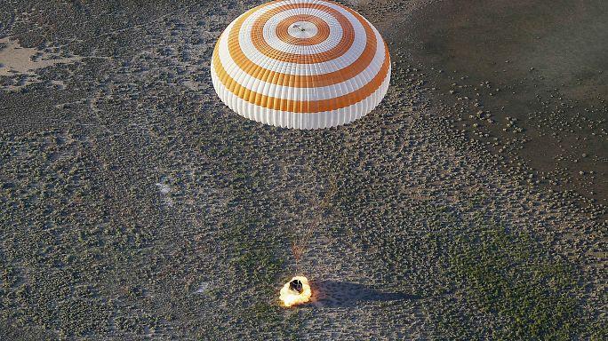 Участники экспедиции к МКС вернулись на Землю