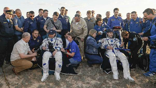 Módulo da Soyuz regressa à Terra