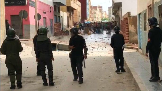 شاهد..اشتباكات بين متظاهرين وقوات الأمن المغربية في إمزورن