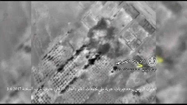 شاهد..غارات روسية على مواقع داعش والجيش السوري يوسع سيطرته في البادية
