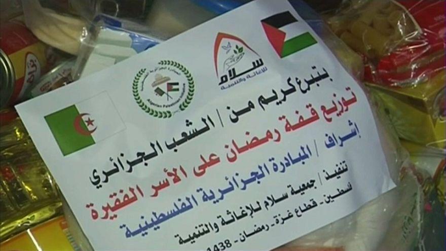 الجزائريون يتبرعون للفلسطينيين في قطاع غزة