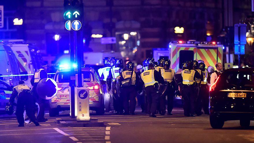 مصادر إعلامية بريطانية: إصابات في حادث دهس على جسر لندن