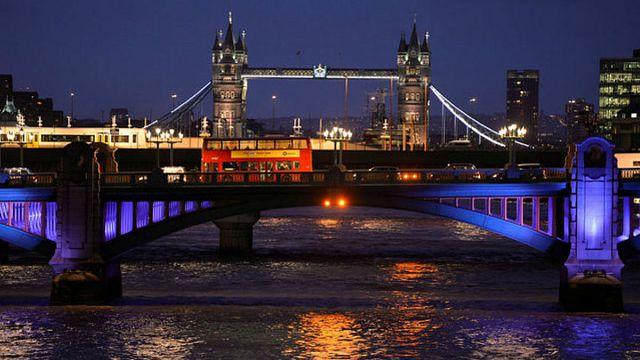 مقتل 7 أشخاص في حادثي دهس و طعن بجسر لندن