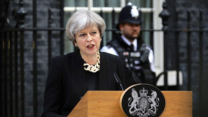 """Theresa May: """"Nel terrorismo siamo di fronte a una nuova tendenza"""""""