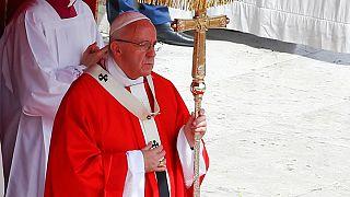 El papa Francisco reza por las víctimas de Londres