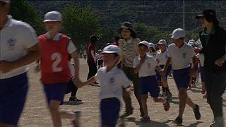 Japon çocuklara 'Kuzey Kore füzesi' tatbikatı