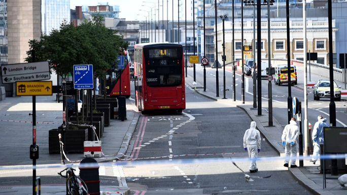 Судмедэксперты работают на Лондонском мосту