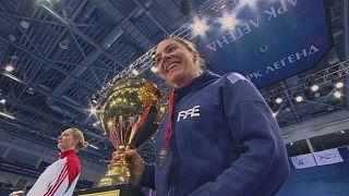 La esgrimista francesa Charlotte Lembach triunfa en Moscú