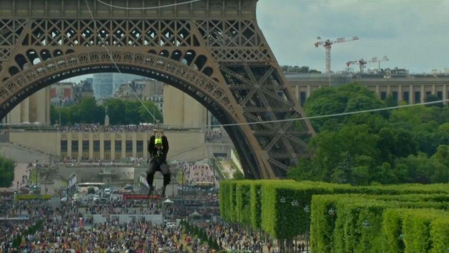 La tyrolienne de la Tour Eiffel