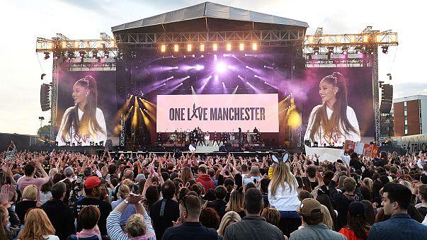 Yıldızlar Manchester'da sahneye çıktı