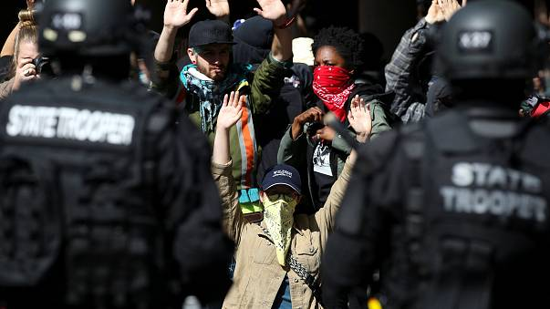 Usa, scontri tra manifestanti anti e pro-Trump