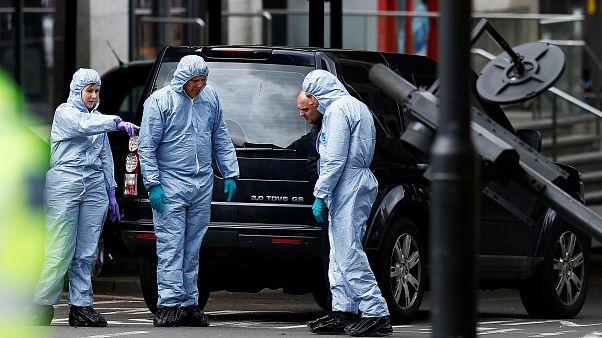 Polícia britânica faz novas detenções