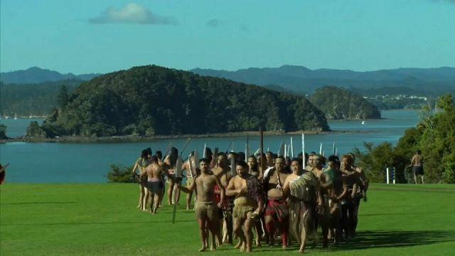 """بالفيديو: سكان نيوزيلندا الاصليون يؤدون ال""""بوهيري"""" ترحيبا بفريق """"ليونز"""" للرغبي"""