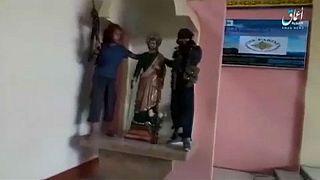 Videó a templomgyalázásról