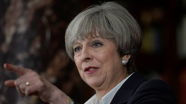 "Theresa May: Terrorwarnstufe bleibt ""Hoch"""