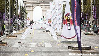 مسابقه سرعت پهپادها در خیابان شانزه لیزه پاریس