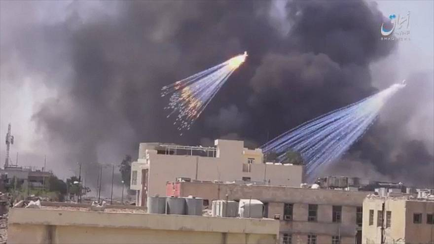 Iraqi government accused of firing white phosphorus shells into Mosul