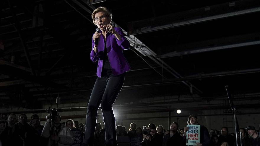 Image: Sen. Elizabeth Warren, D-Mass., speaks during a campaign event in Qu