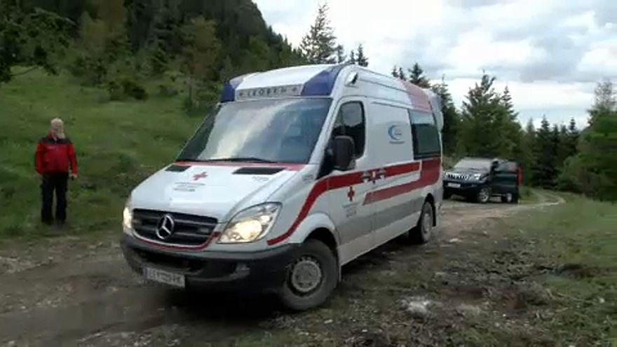 Ketten meghaltak egy ausztriai hegymászó balesetben