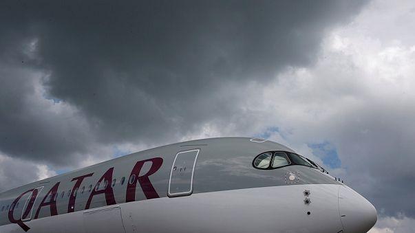 وقف الرحلات الجوية من وإلى قطر