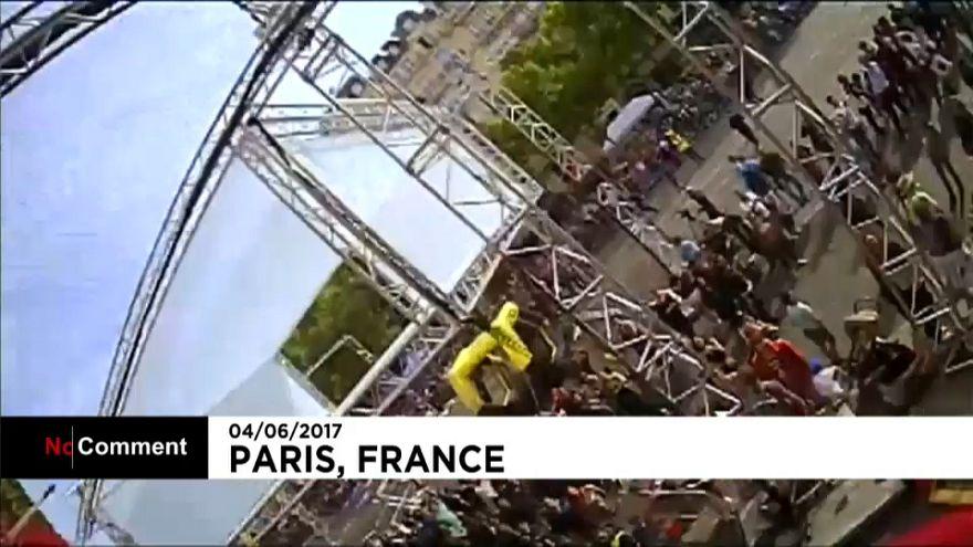 Пролетел как дрон в небе над Парижем