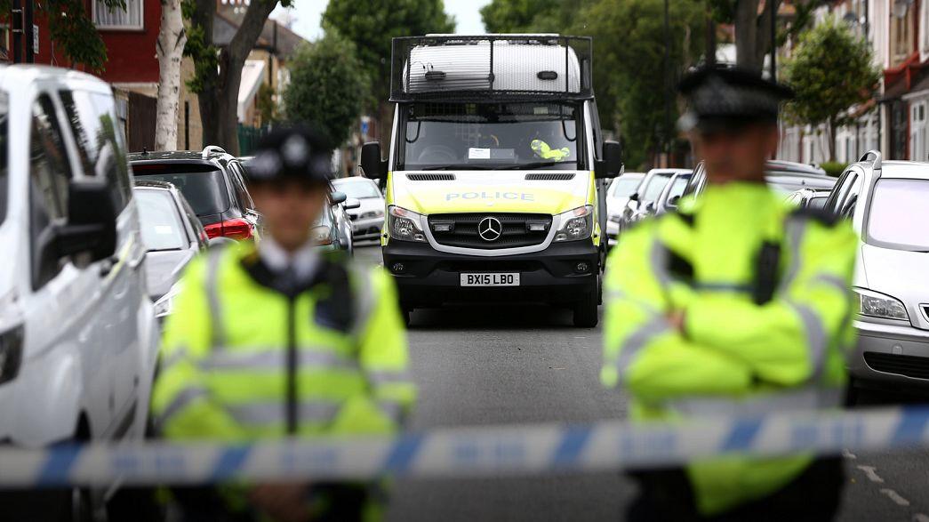 Police et renseignement britanniques sous le feu des critiques