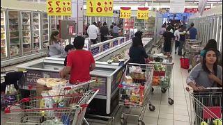 L'Algeria: non isolare il Qatar