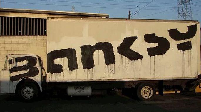 Banksy regala una stampa a chi voterà Labour