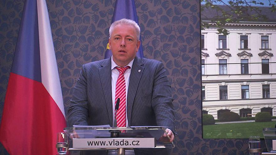 Migranti: Praga dice no all'accoglienza rifugiati, Bruxelles minaccia sanzioni