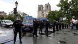 هجوم أمام كاتدرائية نوتردام في باريس