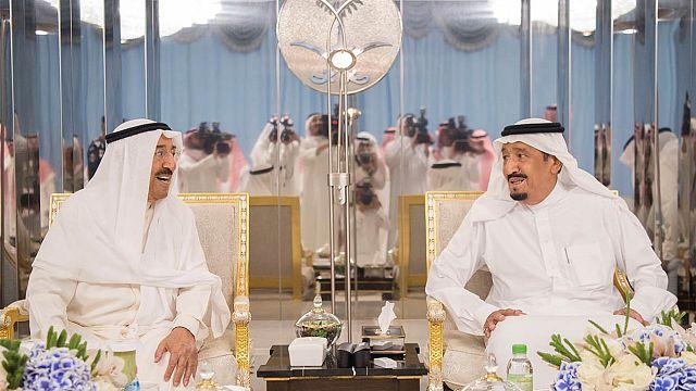 Katar: Trump Twitteren üzent