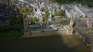 OECD İngiltere ekonomisinin 2018 büyüme tahminini yüzde 1'e çekti