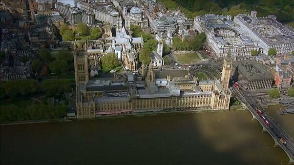 ΟΟΣΑ: Δυσοίωνες προβλέψεις για τη βρετανική οικονομία