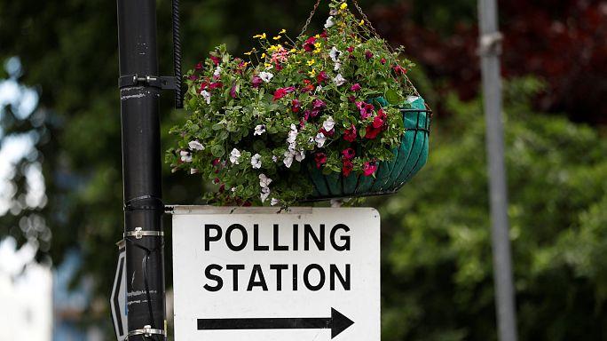 من سيفوز في الانتخابات التشريعية البريطانية غداً؟