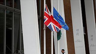 """""""Breves de Bruxelas"""": eleições britânicas e fundos europeus para a defesa"""