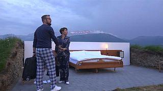 فندق سويسري للنوم في العراء
