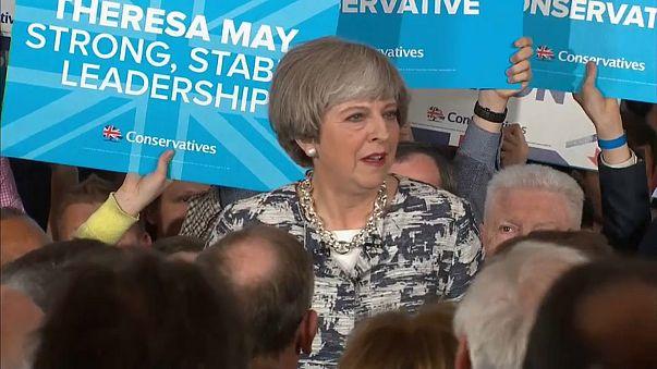 Elezioni Regno Unito: è il d-Day per Theresa May e Jeremy Corbyn
