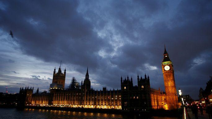Eleições do Reino Unido: Trabalhistas a sorrir, Conservadores preocupados