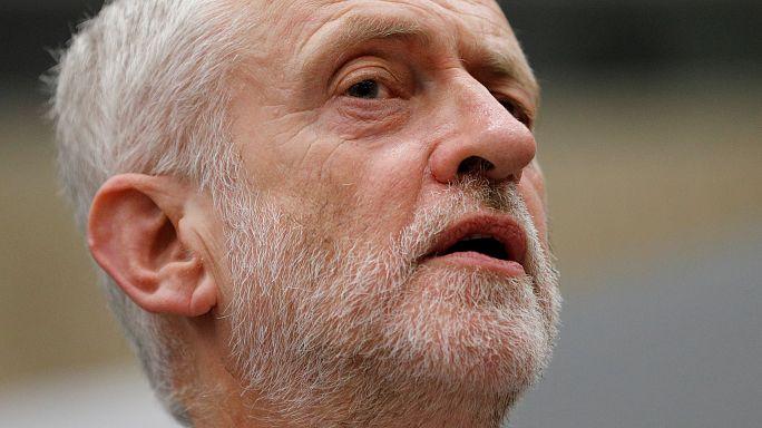Лидер лейбористов посоветовал Терезе Мэй уйти в отставку